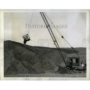 1942 Press Photo Coal mining