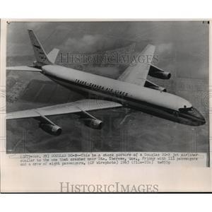 1963 Press Photo stock photo of a Douglas DC-8 jet airliner - mjw01291