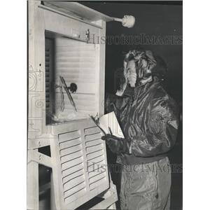 1957 Press Photo Weather O'Hare Temperature - RRW38469