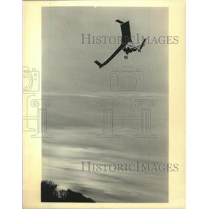 1984 Press Photo Pat Hirst flying thru the air - mjx57340