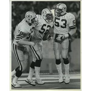 1983 Press Photo Packers football's Mike Douglass, teammates during Detroit game