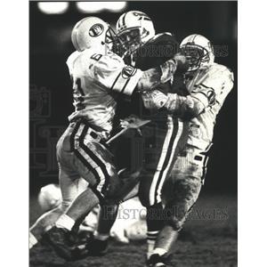 1991 Press Photo Catholic Memorial High School - Kyle Ladish in Football Game