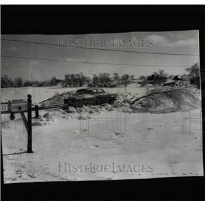 1959 Press Photo Mundelein Illinois Area Ice Storm - RRW64267