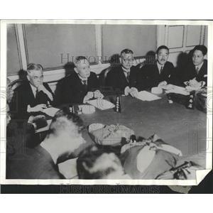 1933 Press Photo Japanese Economists Prepare Conference - RRX83213