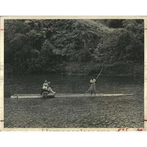 Press Photo Tourists Raft Rio Grande River Jamaica - RRX83773