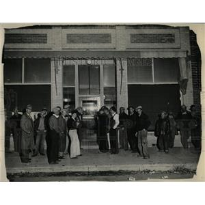 1932 Press Photo Colorado Robberies Bank People Road - RRX68779