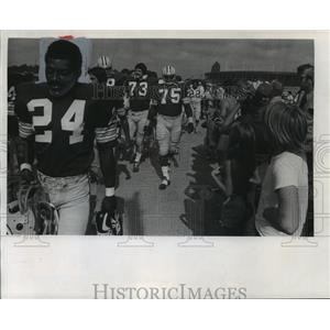 1975 Press Photo Green Bay Packers football player, Johnnie Gray & his teammates