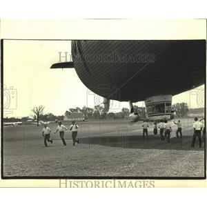 1986 Press Photo Goodyear blimp at Experimental Aircraft Association Convention