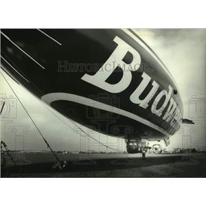 1993 Press Photo Bud One Blimp preparing for flight, Timmerman Field, Milwaukee