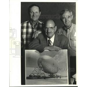 1987 Press Photo John Sciambra, Captain Joe Katz & Howard Sinor with blimp photo
