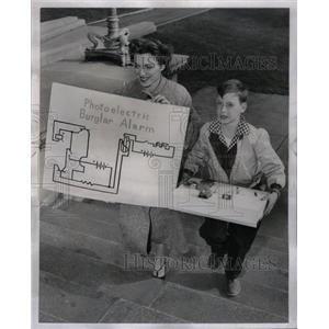 1958 Press Photo Chicago Public School Science Fair Boy - RRX61083