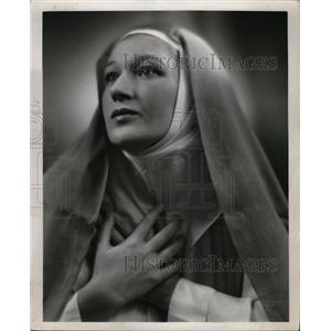1959 Press Photo Actress Clare Hume Meier As Mary - RRW24927