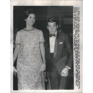 1969 Press Photo Lynda Bird Johnson and George Hamilton Arrive Georgetown