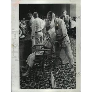 1982 Press Photo Diane Laraway learns self defense from Joe Taglione in New York