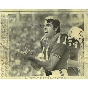 1970 Press Photo Boston Patriots football player Joe Kapp - nos18436