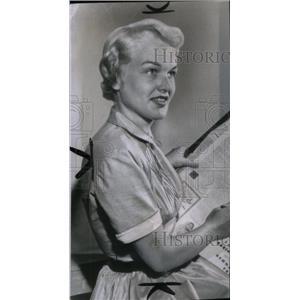 1954 Press Photo Peggy Lloyd/Actress/Director - RRX41081