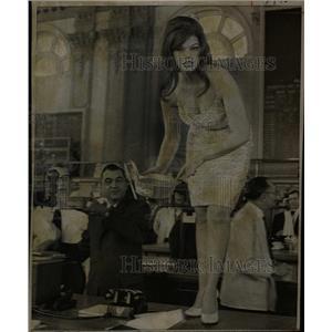 1968 Press Photo Jean London (Actress) - RRW15315