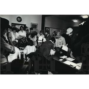 1980 Press Photo Cuban Refugees at Fort McCoy, Job Applicants wait in line