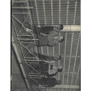 1935 Press Photo Prisoner Step Peroid Round March Jail - RRX95361