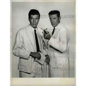 1965 Press Photo Joseph Campanella - RRW20213