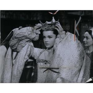 1970 Press Photo Genevieve Bujold star Richard Burton - RRX55769