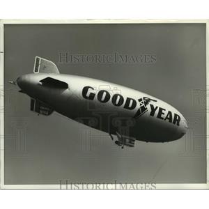 Press Photo The Goodyear Blimp America - amra05285