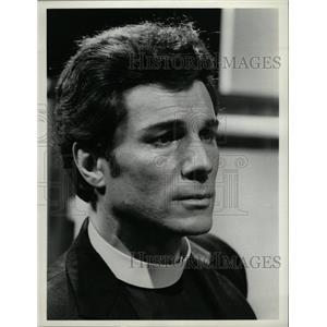 1974 Press Photo George Maharis American Actor - RRX64281