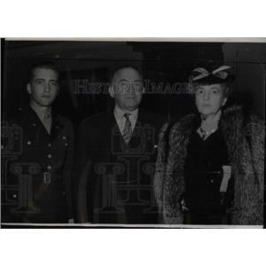 1945 Press Photo Ernest H. Gruening & family - RRW77425