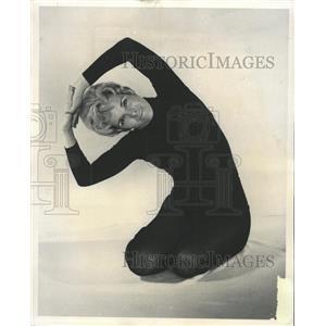 1970 Press Photo Multipurpose Side Slip Yoga Exercise - RRW44371
