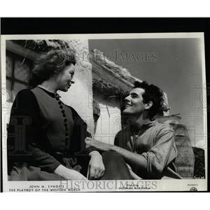 1963 Press Photo Actors Siobhan McKenna, Gary Raymond - RRW07449