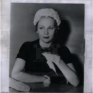 1956 Press Photo Mrs. Edmund Purdom/British Actor - RRX31321