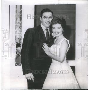 1953 Press Photo Film Actress Gl ria De Haven New York Realtor Martin S. Kimmel
