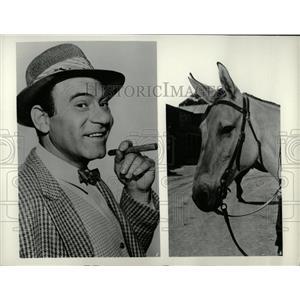 1961 Press Photo Louis Quinn - RRW02897