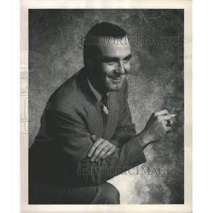 1949 Press Photo Gerald Harrington star artisit scene - RRW31807