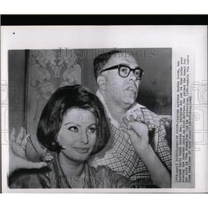 1962 Press Photo Sophia Loren Two Woman Carlo Ponti - RRW07409
