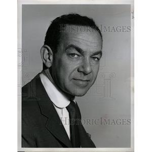 1966 Press Photo Actor Jack Carter - RRW13321