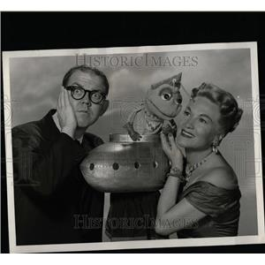 1958 Press Photo Chevy Show Stan Freberg - RRW07221