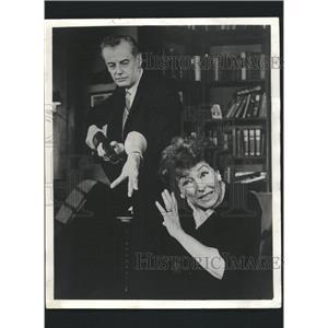 "1964 Press Photo Shepperd Studwick and Nancy Kelly ""Who - RRW32701"