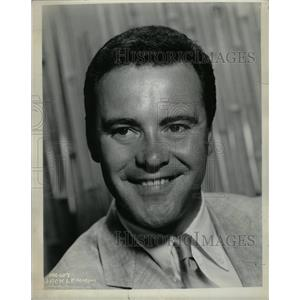 1955 Press Photo John Uhler Jack Lemmon III Odd Couple - RRW14043