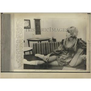 1972 Press Photo Actress Anne Baxster - RRX84577