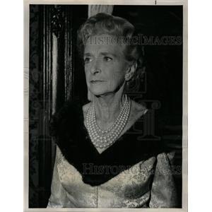 1965 Press Photo Gladys Cooper Actress Rogues NBC TV - RRW14437