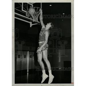 1966 Press Photo Tom Black American Basket Ball Player - RRW74451