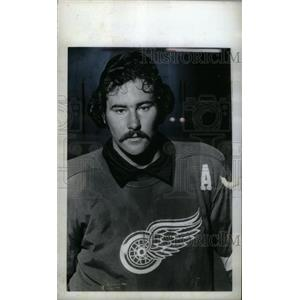 1974 Press Photo Mickey Redmond Detroit Red Wings - RRX39411