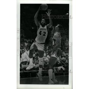 1985 Press Photo James Worthy Lakers Basketball - RRW73757