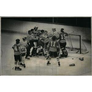 1974 Press Photo Denver University Ice Hockey - RRX43051
