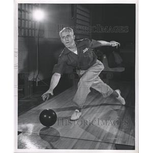 1947 Press Photo Cass Schlaff American Bowler - RRW30905