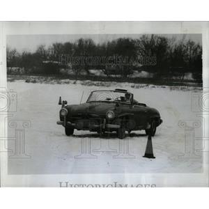 1968 Press Photo Car On Ice Indiana Winter Carnival - RRW64283