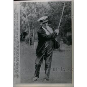 1966 Press Photo Gen Francisco Franco, tries golf - RRX59111