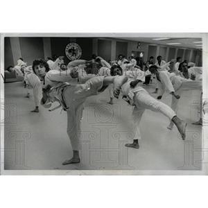 1973 Press Photo Karate Schools American Tom Plating