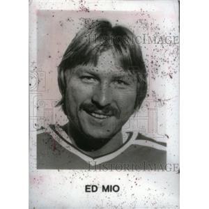 Press Photo Ed Mio ice hockey goaltender Edmonton Oiler - RRX39409
